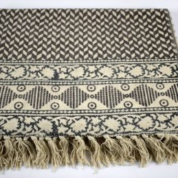 black-white-flatweave-cotton-geometric-pattern-rug-90x150-cm