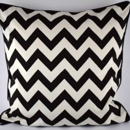 large-black-white-danish-design-cushion-cover-in-chevron-zig-zag-pattern-50-x-50-cm