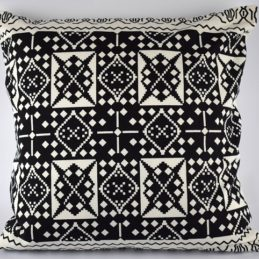 large-black-white-danish-design-cushion-cover-geometric-pattern-50-x-50-cm