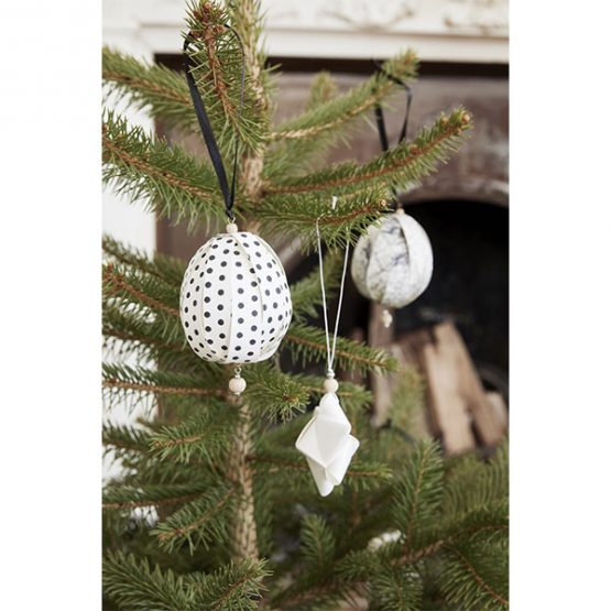 736-White-Ceramics-Star-and-House-for-Hanging-Christmas-Tree-Decoration-by-Hubsch