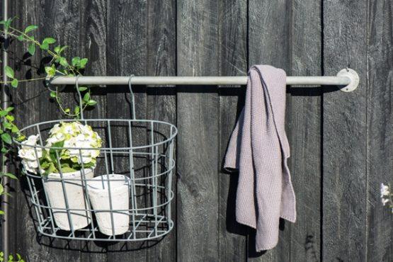 em_home-grey-oval-metal-wire-hanging-basket-gardenware-homeware-5783-18_trend_5