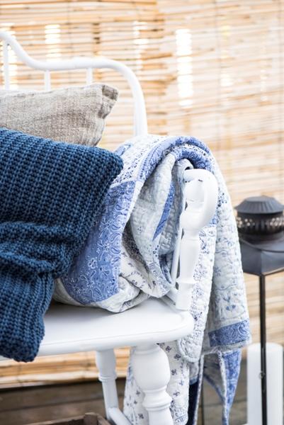 em_home-quilt-printed-patchwork-white-blue-textiles-home-bedroom-0747-26_trend_3