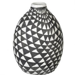 eM_Home-Parlane_triangle-black-white-decorative-decor-vase-720536