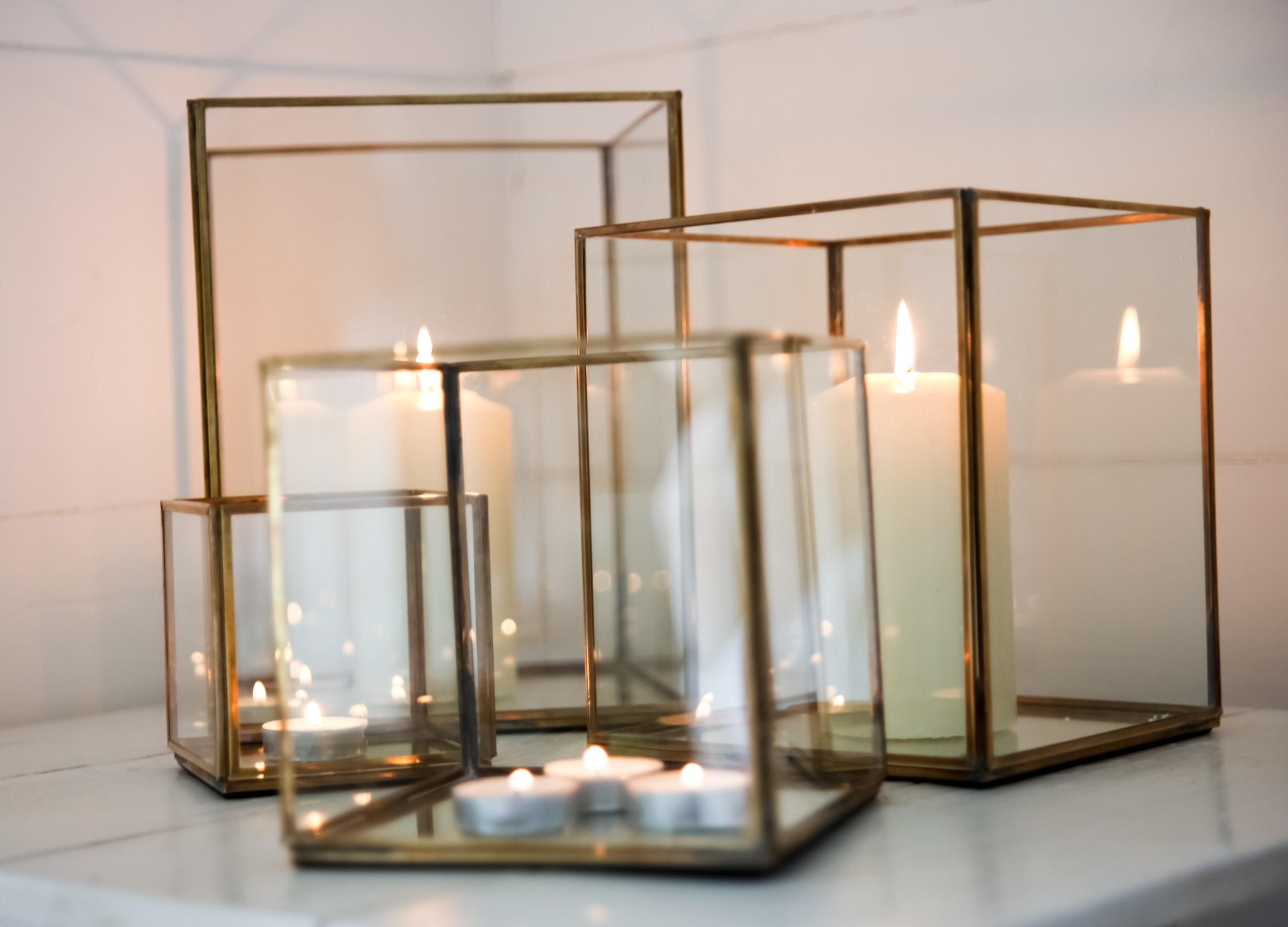 Finest Large Antique Brass and Glass Hurricane Candle Holder / Lantern EK71