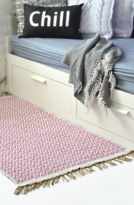 IN00001-pink-cotton-medium-chevron-rug-medium-chill-soft