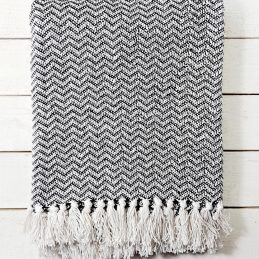 em_home-home-blanket-throw-black-white-bedspread-homeware-decor-bedroom-2s