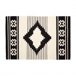 large-woven-cotton-white-rug-with-geometric-black-pattern-120x180-cm