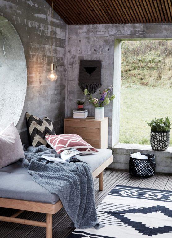 em_home-hubsch-cotton-black-white-woven-rug-homeware-home-decor-Hub_031116_3900