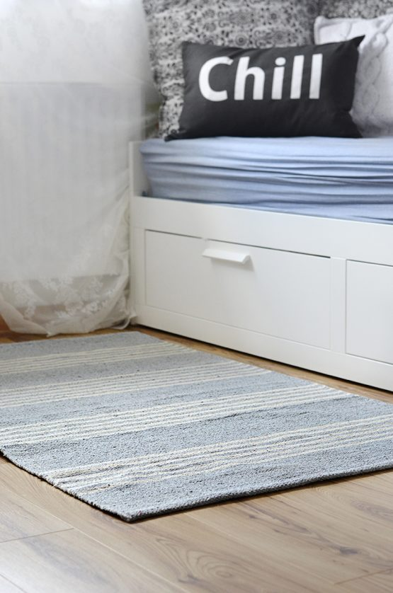 em_home-light-blue-rug-home-decor-homeware-flatwave-185-medium