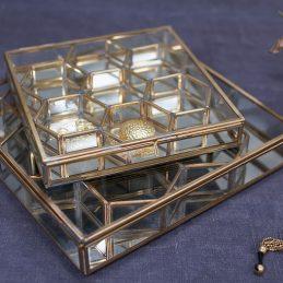 small-bequai-honeycomb-glass-box-jewellery-trifle-by-nkuku