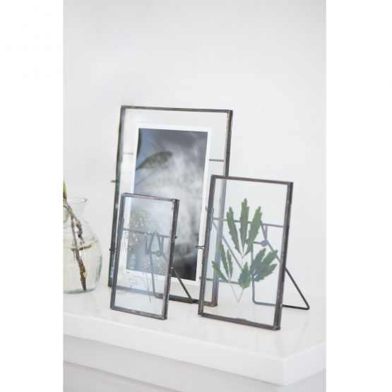 em_home-ib_laursen-photo-glass-black-frame-home-decor-homeware-industrial-9615-25_trend_1
