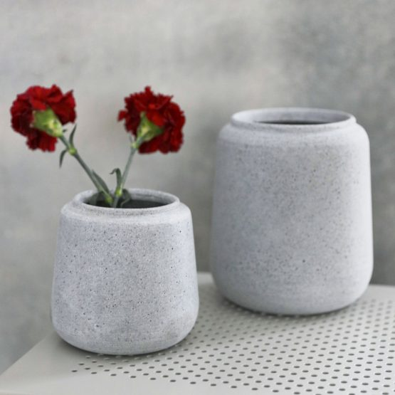 em_home-house_doctor-home-decor-flower-planter-pot-grey-hd_aw16_da1020_ff