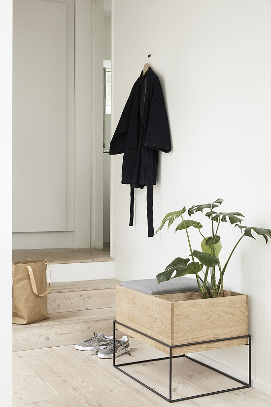 oak-storage-bench-witch-cushion-hubsch (5)