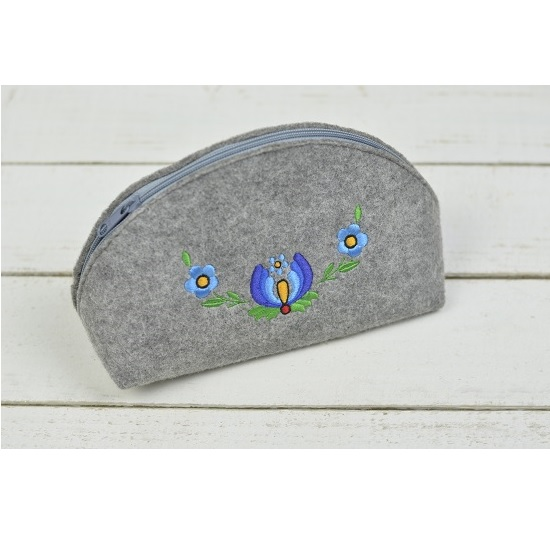 multi-use-cosmetic-toiletry-bag-hand-made-from-felt