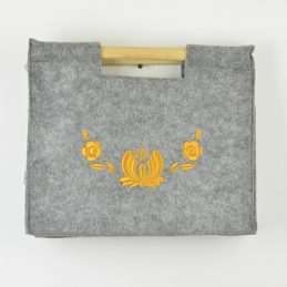 hand-made-felt-hand-bag-grey-with-wooden-handles