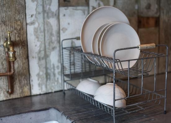 tilmo-industrial-dish-rack-by-nkuku