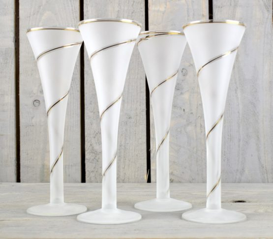 set-of-4-beautiful-white-champagne-glasses-with-gold-spiral-with-150-ml