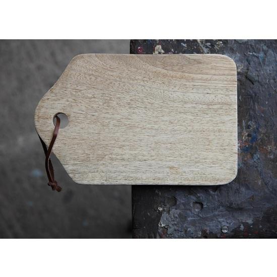 abeba-small-mango-wood-chopping-board-by-nkuku
