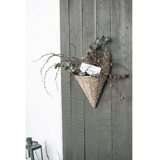 natural-lepironia-grass-basket-with-handle-by-ib-laursen