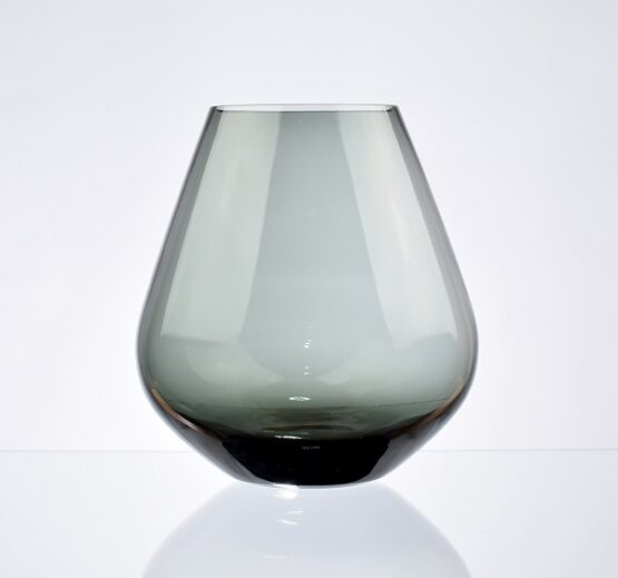 hand-made-mouth-blown-colored-glass-flower-vase-black