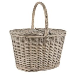 willow-oval-picnic-basket-with-lid-by-ib-laursen